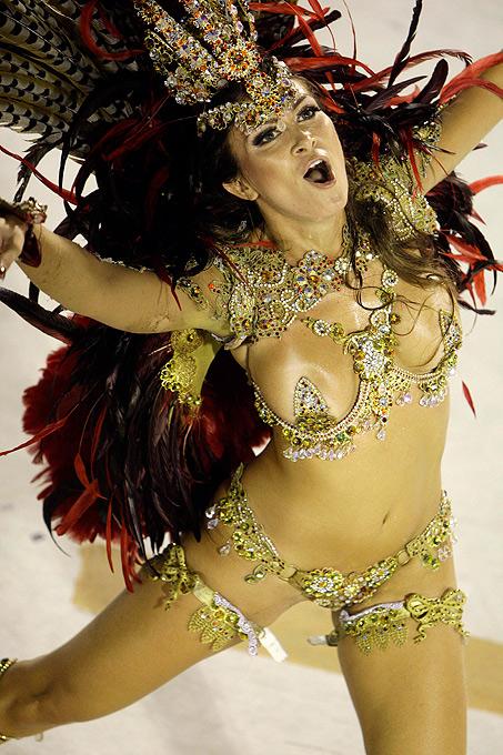 luchshie-golie-tantsovshitsi-brazilii